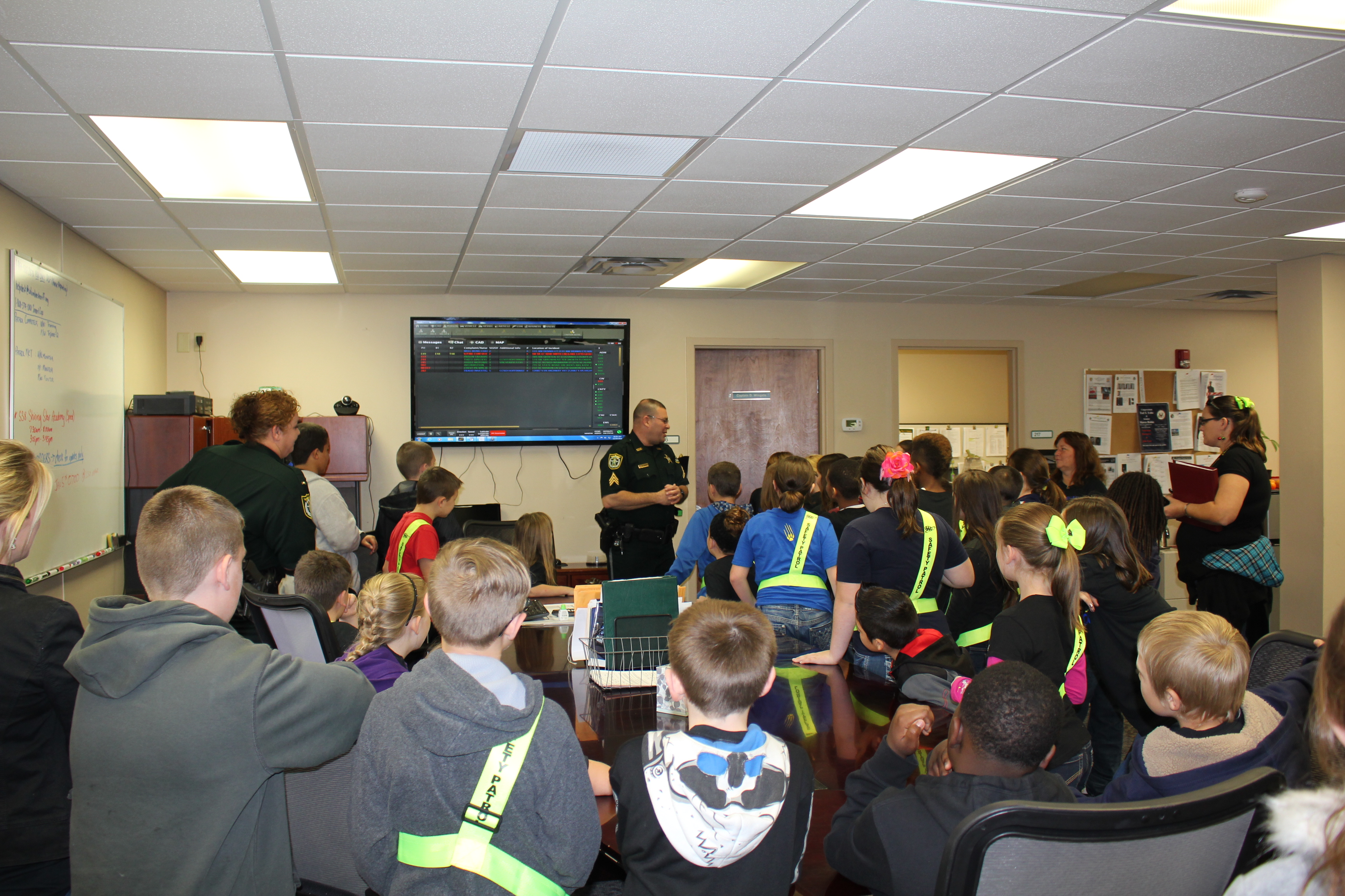 Sergeant Rick Damon briefs the students on patrol operations